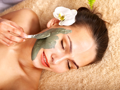 Natural Face Masks and Treatments