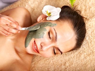 Natural Face Masks and Treatments