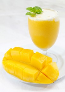 Mango smoothie for skin